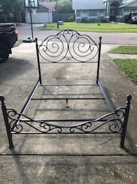 Queen bed frame headboard and footboard  Saint Petersburg, 33714