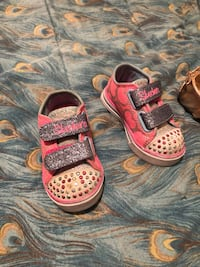 Size 5 toddler girl shoes Palmdale, 93551