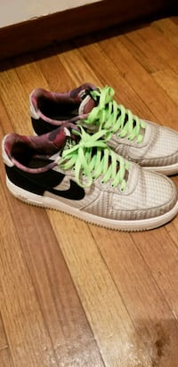 Air force 1s pair of white-and-green Nike sneakers Henderson, 89014