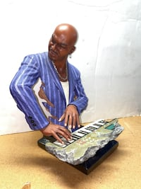 "Rare 14"" Electric Keyboardist Jazz/Funk/Blues Statue by Xin Rong Very"