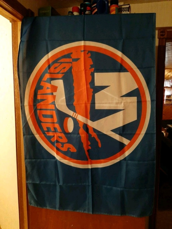New York islanders flag 3feet by 5feet  $20 d5f40302-f179-45b9-9cd4-ce6ef394c467