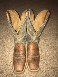 Ariat boots good condition. Size 10D. 60 dollars  Ada, 74820