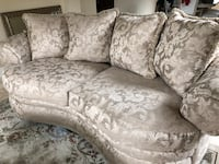 2 Comfortable Couches and Coffee Table. Hardly used. West Palm Beach, 33411