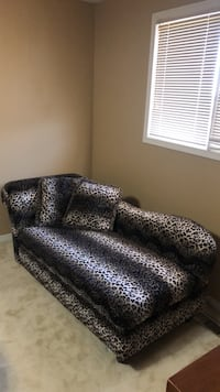 Leopard print chaise lounge. Great condition, never sat on.  Bradford, L3Z
