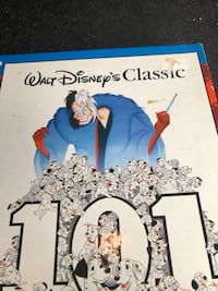 101 Dalmatian 300 big piece puzzle still in box $3 only see pics  Burnaby, V5E