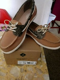 pair of brown Sperry boat shoes with box Odessa, 79763