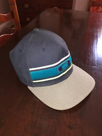 Worn once!!!! Oakley hat  Alexandria, 22302
