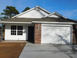 LEASE TAKEOVER - 3br 2ba