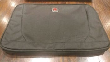 Swissgear Carrying Case (Sleeve) for 14' Notebook