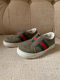 Toddler Authentic Gucci shoes Chicago, 60628