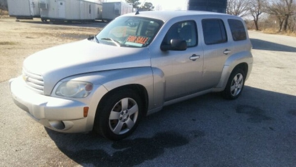 2006 Chevrolet HHR*RUNS Great Reliable*Gas saver 5e53b84a-8ed3-48d4-a69e-d00cc4d6c721