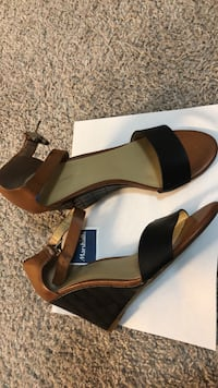 Pair of brown leather open-toe heeled sandals Tommy Hilfiger brand NEVER BEEN WORN size 7.5 Atlanta, 30324
