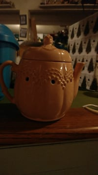 orange ceramic teapot Evansdale, 50707