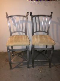four brown wooden windsor chairs Brentwood, 20722