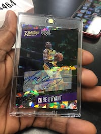 Kobe Bryant on-card Autograph