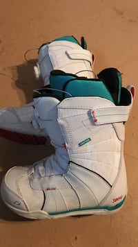 Woman's snow board boots size 7