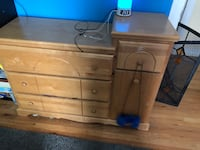 Changing table dresser Islip, 11751