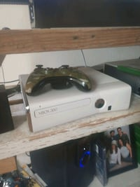 360 slim with game/controller with a 250hard drive Goshen, 46526