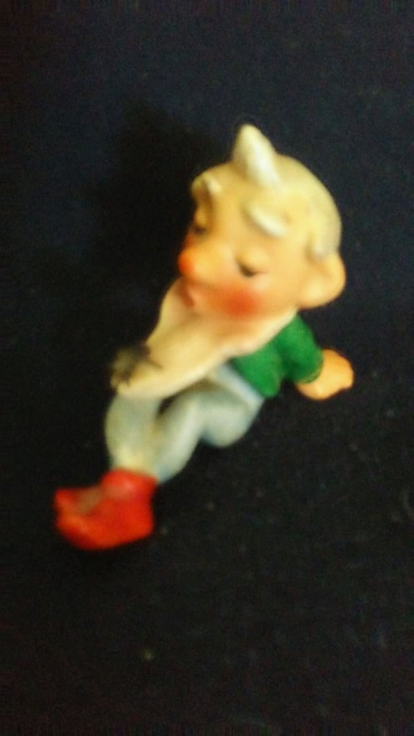 MADE IN 1930's GERMANY NOME FIGURINE WITH FLY ON   2