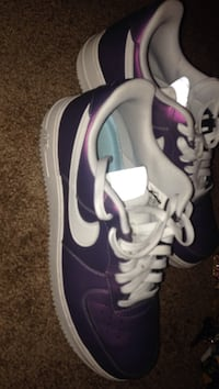 pair of purple-and-white Nike sneakers West Des Moines, 50265