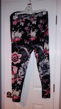 Ladies Leggings NWT