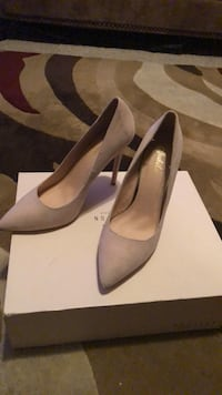 pair of gray suede heeled shoes with box East Lake, 33610