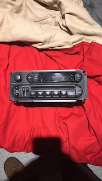 Stock radio from a 2003 dodge dakota Port Moody, V3H