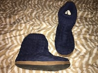 pair of blue suede boots 2660 km