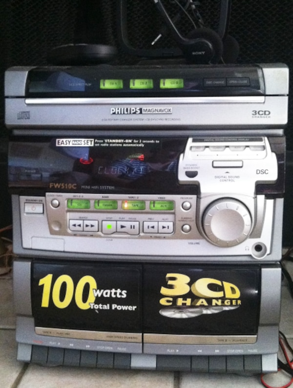 Philips Mini Hi-Fi System Stereo Speakers 3 CD Changer 2 Tape AM/FM Radio