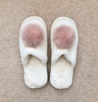 Gap Women's slippers size small Mississauga, L5M 0H2