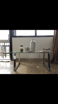Gorgeous Glass Coffee Table Miami, 33131