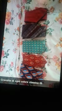 cinque cravatte colorate assortite Milano, 20153