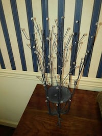Branch Style Candle Holder with Reflective Balls Lancaster, 17601
