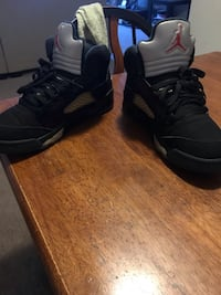 pair of black Nike Air Huarache Joliet, 60435