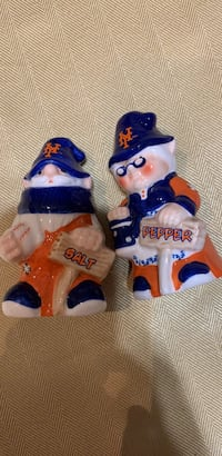 "New York Mets ""Old Gnome Couple"" Salt and Pepper Shakers Roanoke, 24018"