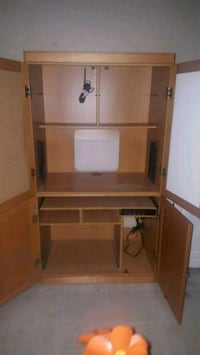 brown wooden desk with hutch 21 km