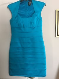 Formal dress size 12 worn once only. Value of 150$ 781 km