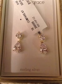 silver-colored diamond stud earrings Virginia Beach, 23462