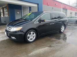 ***CLEARANCE PRICE*** 2013 Honda Odyssey Touring ONE OWNER with ULTRA-WIDE DVD, LEATHER, SUNROOF, BA