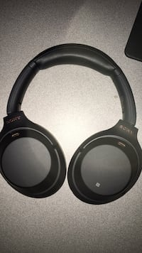 Black and gray wireless headphones Surrey, V3X 0G4