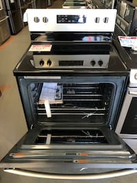 Samsung glass top electric stove *New Scratch&Dent* Reisterstown, 21136