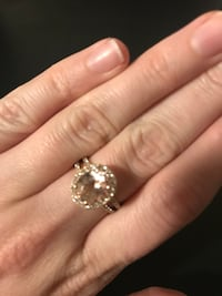 Morganite Ring in Rose Gold with Diamond Accents. Beautiful, catches the light. Only worn a few times. Originally $900.00 Moreno Valley, 92555