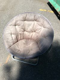 Free foldable chair