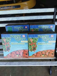 Topsy turvy strawberry planter boxes Middletown, 21769