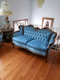 French Provencal Love Seat Suitland-Silver Hill, 20746