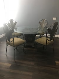 Table with four chairs Eastvale, 92880