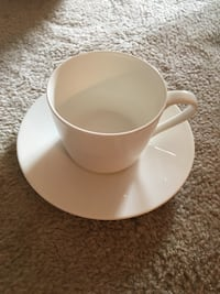 Set of 8 Cups and Saucers Toronto, M6S 3N5