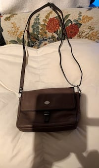 Leather purse with compartments Gatineau, J8T 5G2