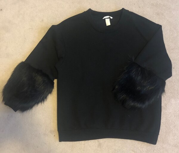 H&M Sweater w Faux Fur Sleeves