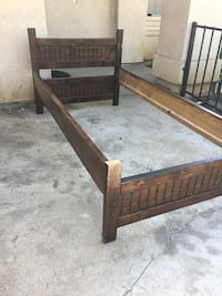 Twin size wooden bed set for sale  Rialto, 92376